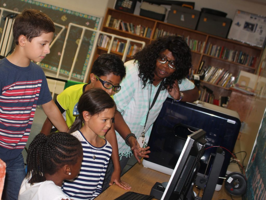 Oletha Walker has taught several Level Up Village courses to her students at JFK Elementary in Windsor, Conn. Most recently, she took them on a deep dive into DNA and Genetics through LUVs Global Doctors: DNA course.